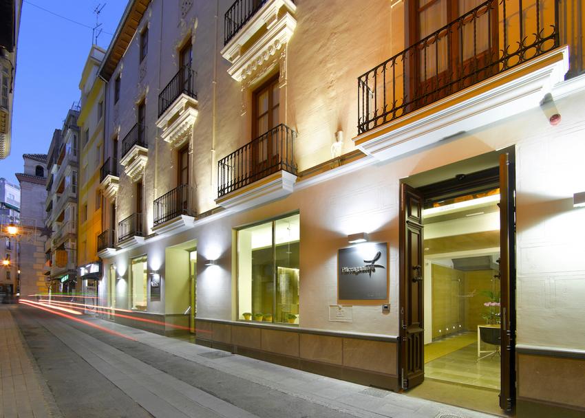 Hotel parraga siete en granada bookerclub for Booker un hotel