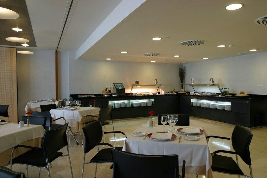 Ayre hotel caspe en barcelona bookerclub for Booker un hotel