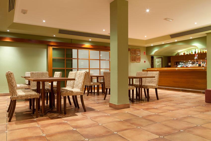 Hotel intur bonaire en benicassim bookerclub for Booker un hotel