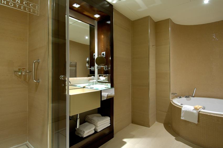 Hotel vincci capitol en madrid bookerclub for Booker un hotel
